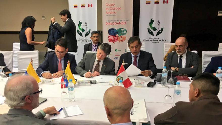 ACTA DE LA REUNIÓN DE MINISTROS DE AGRICULTURA DE COLOMBIA, ECUADOR Y PERÚ SOBRE AGRICULTURA FAMILIAR